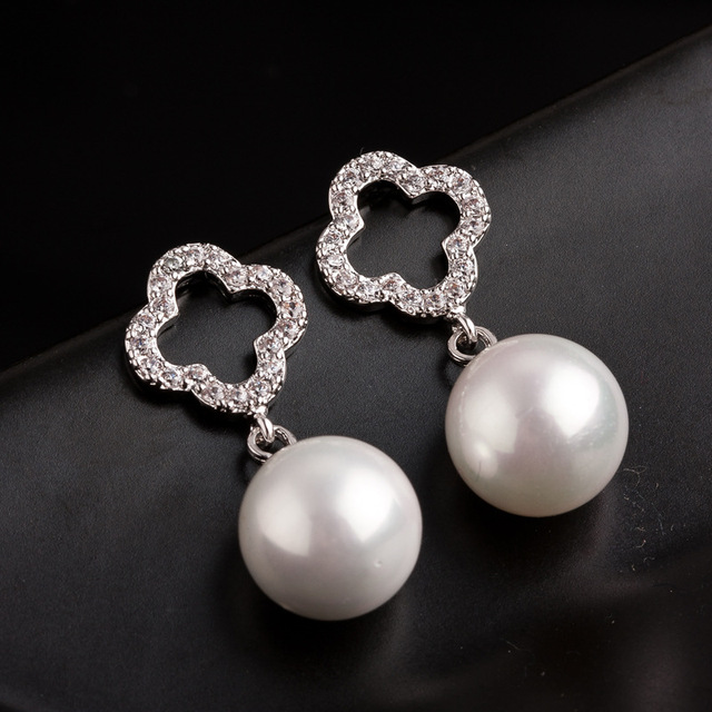 f16907697d323 US $3.67 |Fashion Jewelry Clover Channel White CZ Earrings For Women Silver  Plated High Quality CC Earring For Wedding Pearl Pendientes-in Stud ...