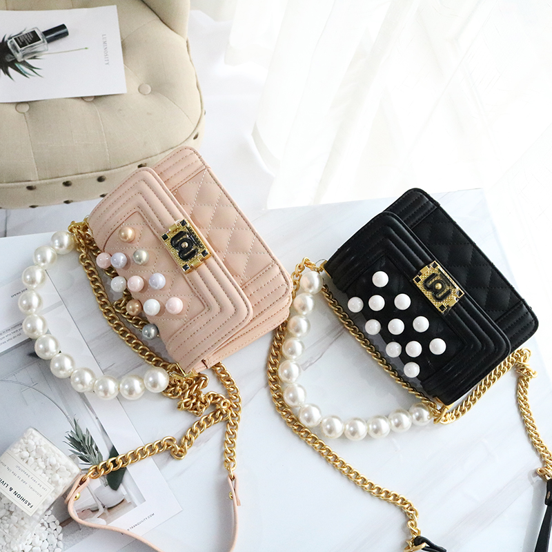 Spring new tide womens small Plaid Pearl hand bill of lading shoulder Messenger bag chain bagSpring new tide womens small Plaid Pearl hand bill of lading shoulder Messenger bag chain bag