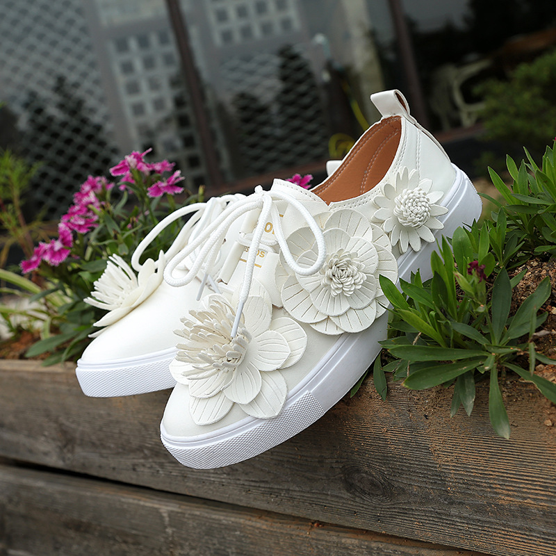 Female new white shoes flowers lace shoes