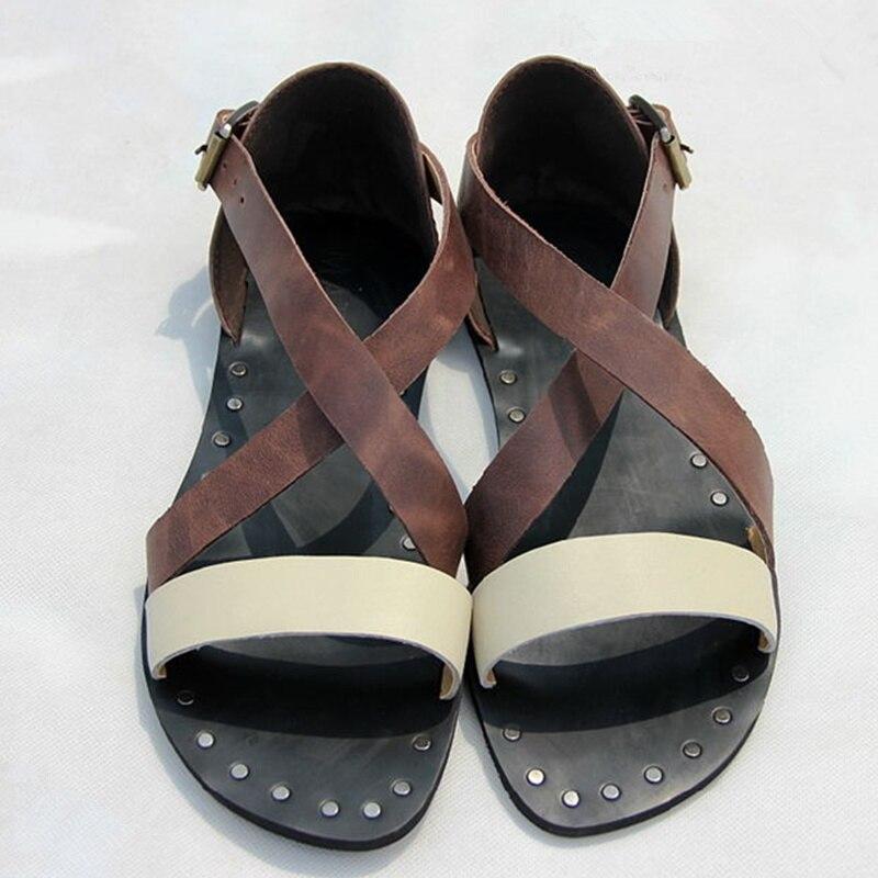 2018 Men Sandals Summer Beach Fashion Gladiator Men Flats Handmade Hallow Out Buckle Design Shoes Male Casual Men Shoes Outdoor fashionable buckle and double zipper design casual shoes for men