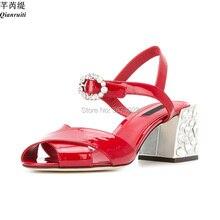 Qianruiti Femme Piste D été Femmes À Talons Bijoux Chunky Chaussures En  Cuir Verni Cristal Boucle Sandales Celebrity Peep Toe Ta. b0028b6336e8