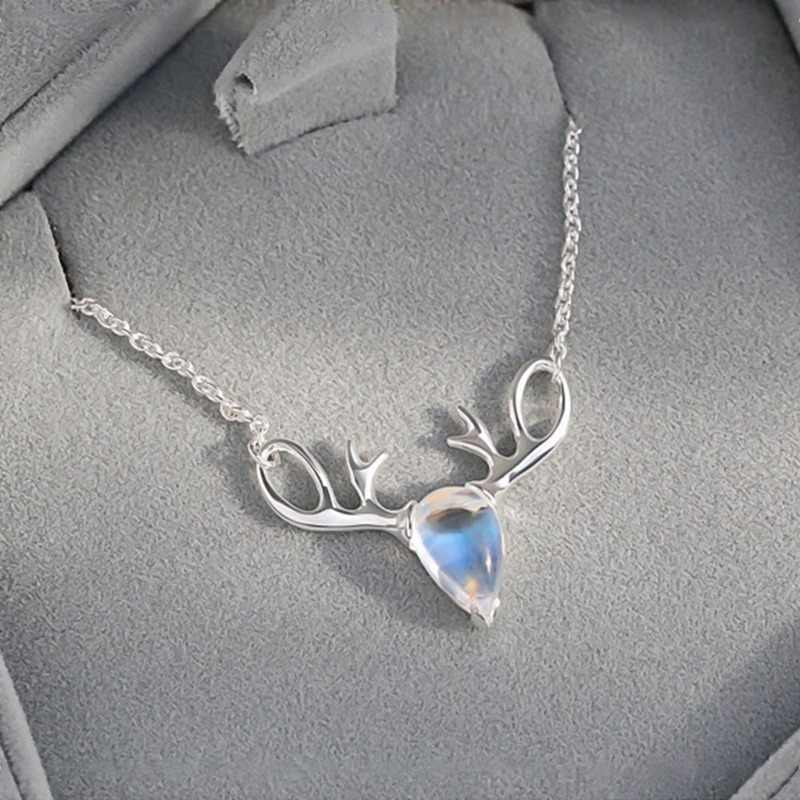 Elk Fashion Exquisite Temperament Christmas Necklace Jewelry Moonstone Crystal Deer Antlers Clavicle Chain Pendant Necklaces