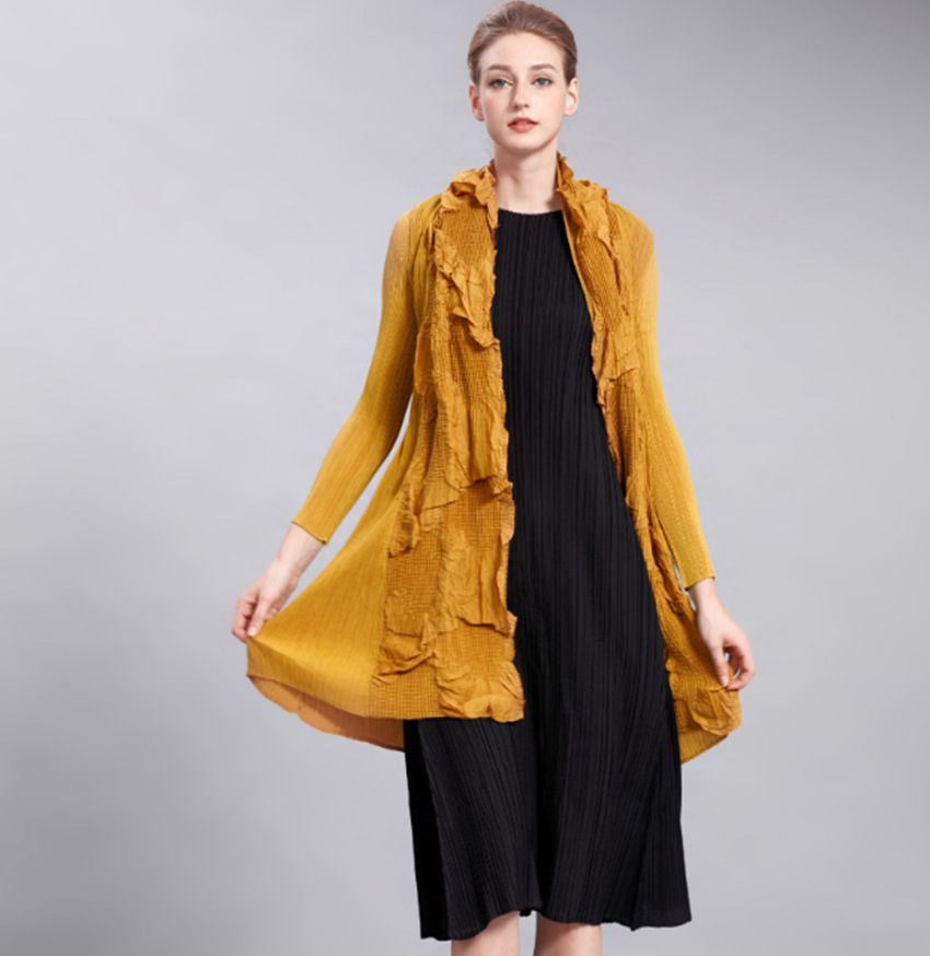 Early autumn new wrinkle Scarf Collar cardigan coat double hand pleated long sleeved solid thin coat pleated   trench   free ship