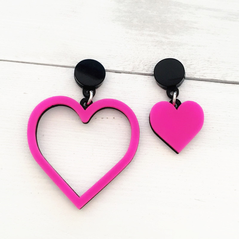 Dongmu jewellery punk exaggerated style fashion acrylic peach heart big earrings ladies gifts boutique jewelry earrings summer