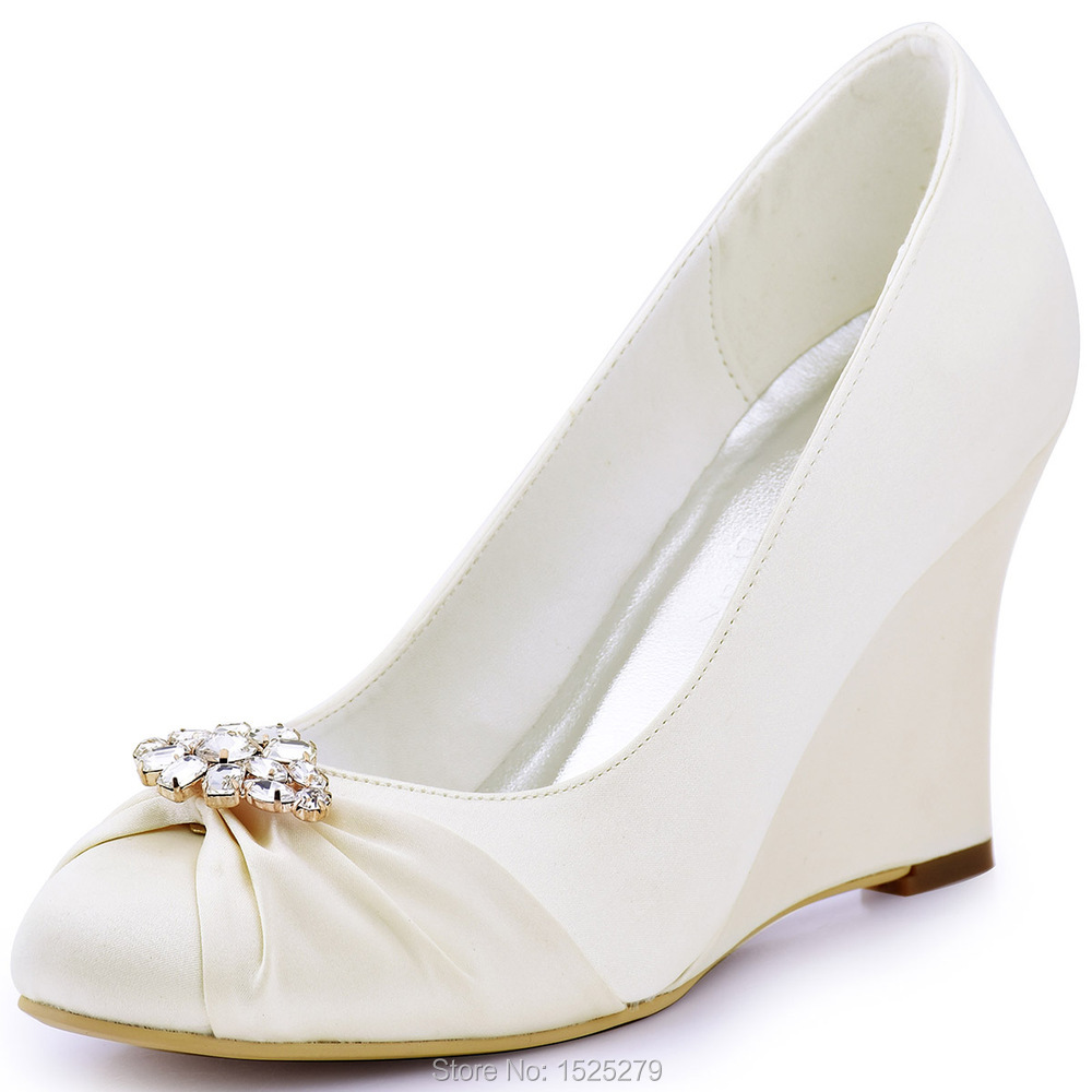 Sandals are the perfect wedding shoe for the beach bride or destination wedding. Don't forget your sunglasses! Lace slip-on Alpargatas for brides make great women's wedding shoes for dancing the night away or you can walk down the aisle in TOMS wedding wedges.