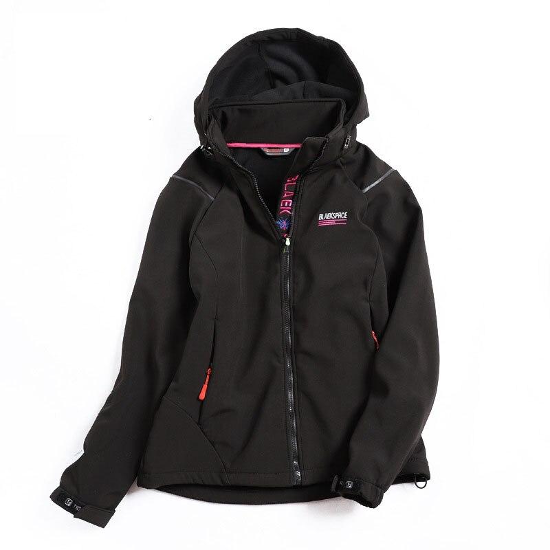 New Outdoor Women Soft shell Waterproof Windproof Jacket Fleece Warm Outdoor Brand Jacket Camping Hiking Climbing Skiing Jacket