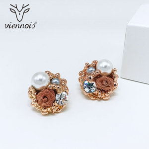 Image 4 - Viennois Simulated Pearl Necklace Set For Women Rose Gold & Silver Zinc Alloy Flower Wedding Paved Bridal Zircon Jewelry 2019