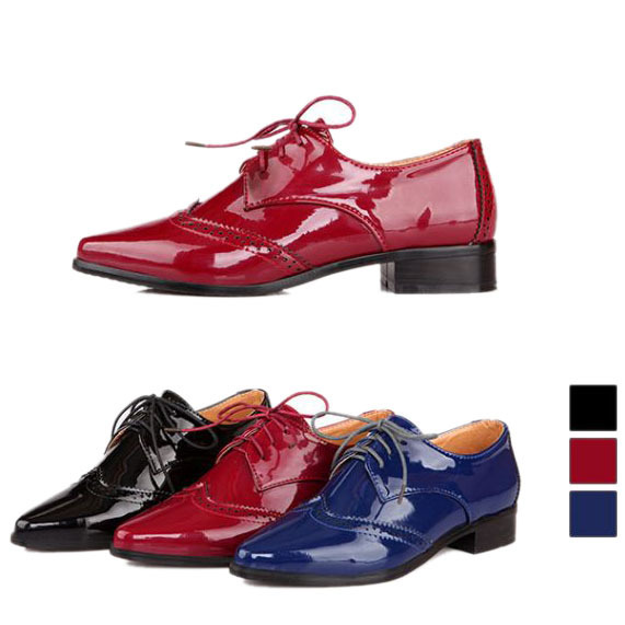 bec34bff54f3b New 2015 Spring Patent Leather Pointed Toe Lace Up Flat Oxford Shoes For  Women Fashion England Style Women Oxfords Big Size 43