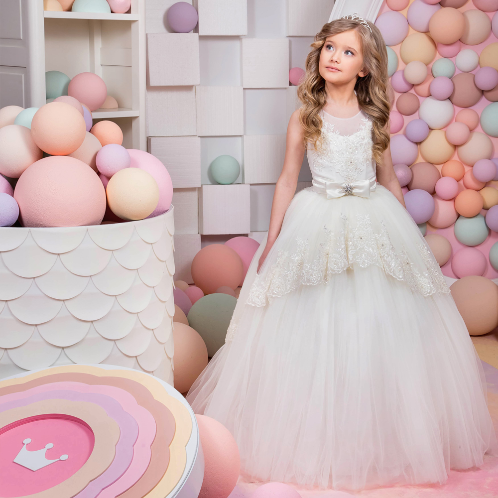 2017 New Arrival First Communion Gowns Vestidos Longo Lace Up Appliques O-Neck Ball Gown Formal Flower Girl Dresses for Wedding 2017 new flower girl dresses lace up appliques o neck short sleeves lace up first communion birthday dresses vestidos longo hot