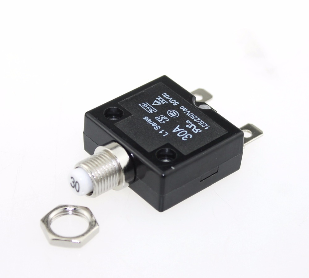 Tlačítkové resetování jističů 30A s terminály Quick Connect