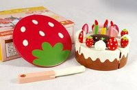 Candice guo wooden toy children wood baby play house emulational red strawberry happy mini birthday cake cut game