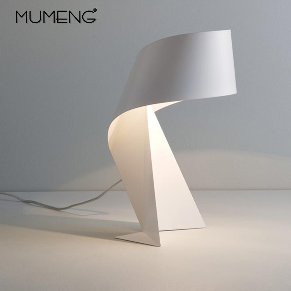 Nordic Criativo Origami Candeeiro de mesa Moderno e Minimalista Preto e Branco E27 DIODO EMISSOR de Luz Decorativa para sala de estar & Bed room