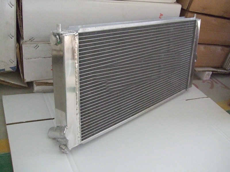 アルミラジエーター + シュラウド + ファントヨタセリカgt GTS 1.8L l4 T230 ZZT230 SSI 1ZZ-FE/2ZZ-GE MT 2000-2005 01 02 03 04 05