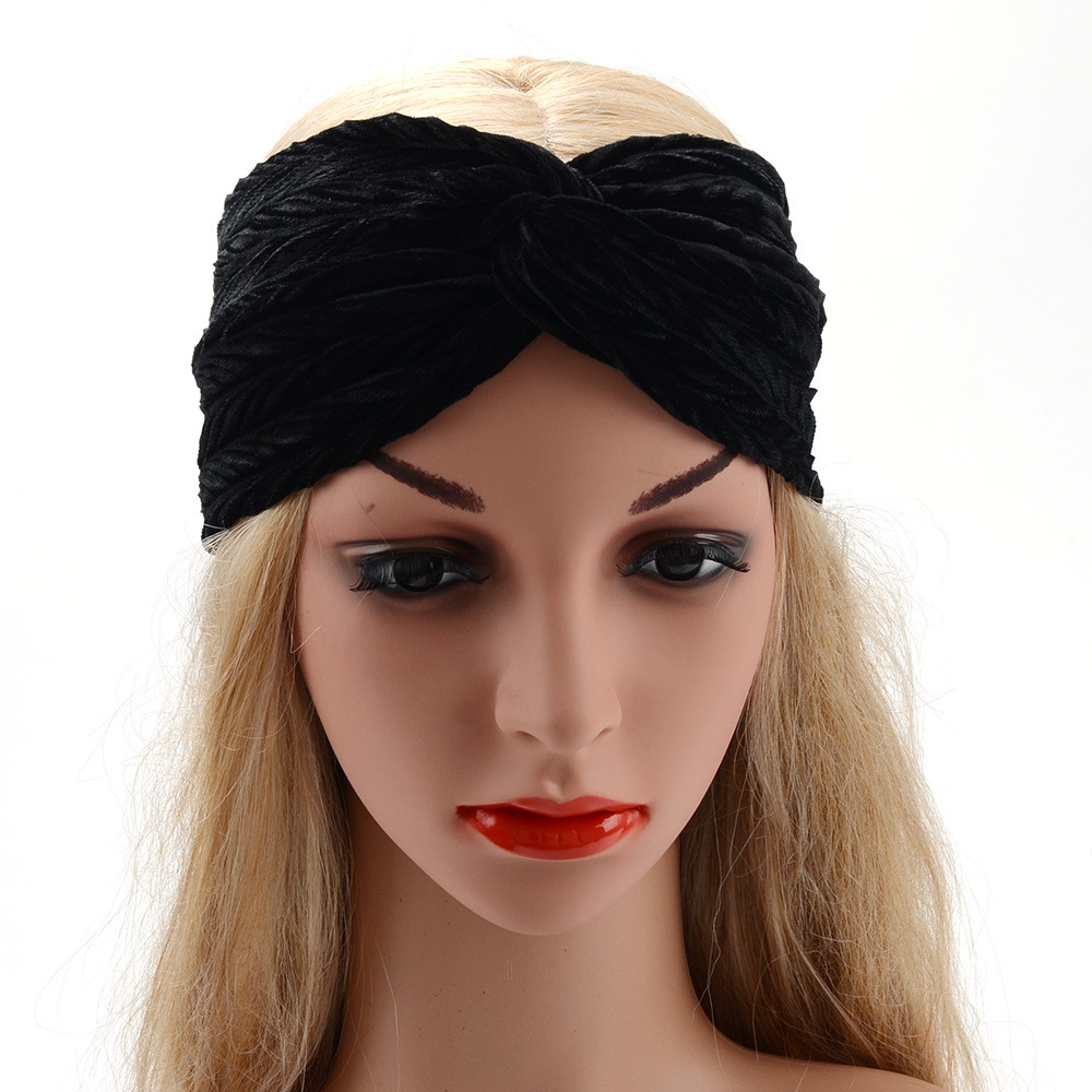 Thick plush widened hair band Middle knotted headband Pleated hairband  flannel women turbans fashion head wraps hair accessories-in Women s Hair  Accessories ... 248c61227a5