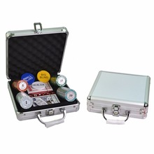 Poker Chips Bank set 100 pcs Clay Chips & Poker table blackjack layout & Dealer +2 Blinds & 2 Playing cards & 6 dice