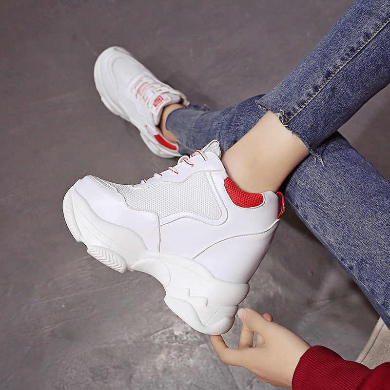 Новинка 2019 года; модные весенние женские кроссовки дышащие сетчатые туфли на танкетке и платформе повседневная обувь 11 см Женская обувь; Zapatillas Deportivas