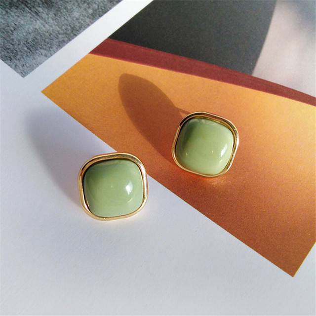 Retro fashion contracted earrings Joker metal earrings earrings geometric trend Beautiful ladies earrings wholesale 5