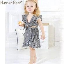 ee2a46f9d Humor Urso Do Bebê Verão Roupa Nova Moda Gravata borboleta T-shirt da Manta  + Irregular Saia Terno Do Bebê Vestido Da Menina das.