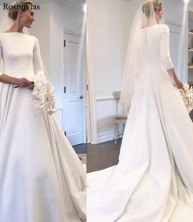 Cheap Stain Wedding Dresses 2019 Scoop 3/4 Long Sleeves Covered Button Back Sweep Train Bridal Gowns Vintage Wedding Dresses