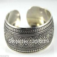 Toptan fiyat NAKLIYE 10 adet ^ ^ ^ ^ XSZ01428 Tribal Mücevherat Yeni! nadir Tibet Gümüş Carve erkek Cuff Bilezik