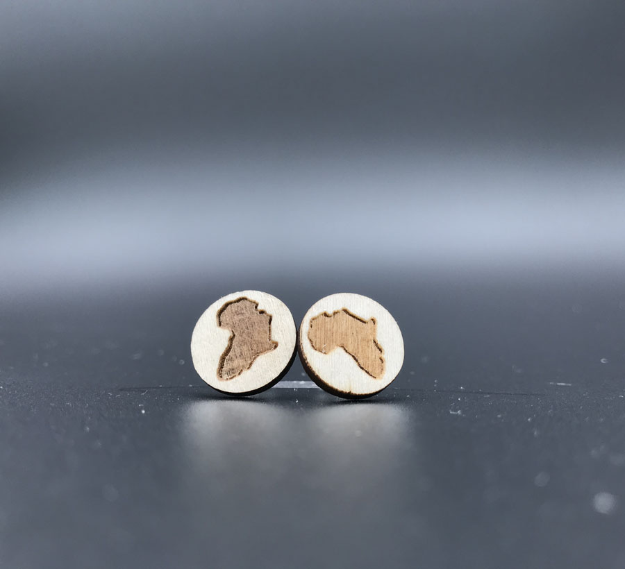 Купить с кэшбэком new  samll african map   wood  stud earrings , small round disc studs with posts for women  ST-003