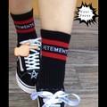 2016 мода хип-хоп предел моделям с подиума стиль красные полосы vetements вязание черные носки в трубке носки мужчины и женщины