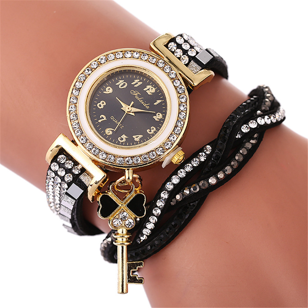 цена Beautiful Retro Bracelet Watches Women Lovely Wedding Quartz Wrist Watches 6 Colors Rhinestone Delicate Female Watches 5N
