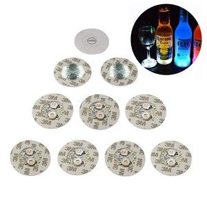 Image 1 - 1 pièces LED très brillante Flash bouteille lumière Glorifier bouteille de vin LED autocollant tasse tapis caboteur pour la décoration de barre de mariage de fête