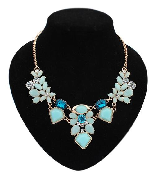 Marte&joven 2018 New Candy Color Resin Flower And Leaf Statement Necklaces For Women Pure White And Translucent Chain Necklaces