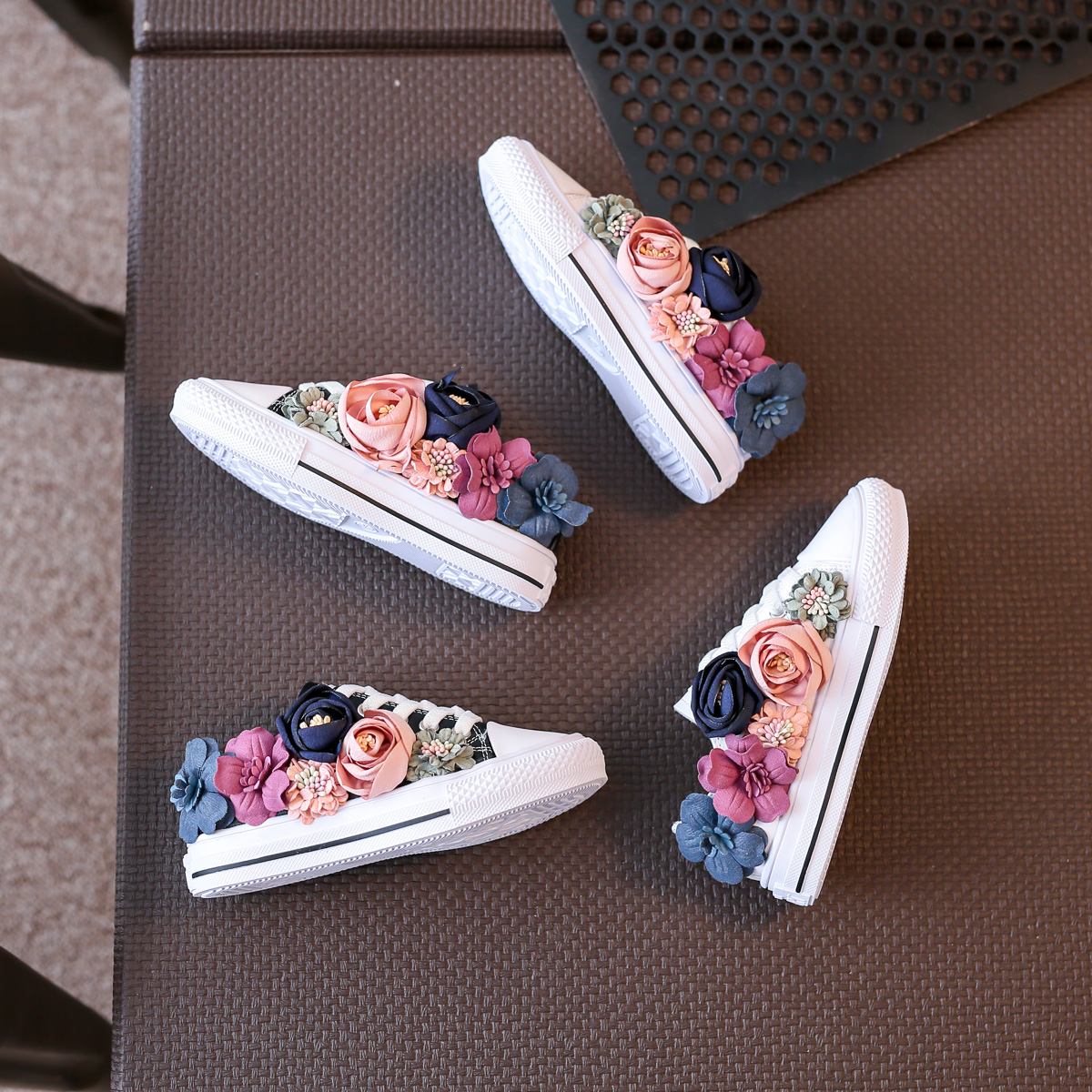 Beading Kids Shoes Low Top 2018 Autumn Childrens Shoes Korean Flower Girls Canvas Shoes Casual Sneakers Lace ...