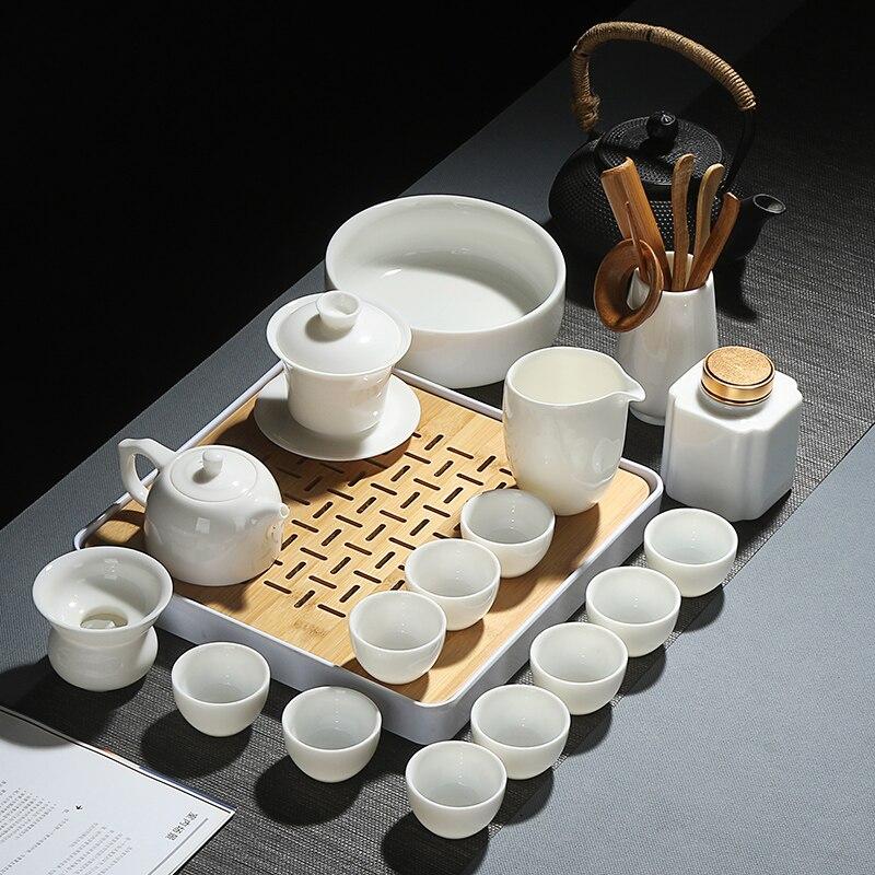 Offre spéciale chinois bleu et blanc porcelaine Kung Fu thé ensemble de thé cuisine équipement de bureau à domicile