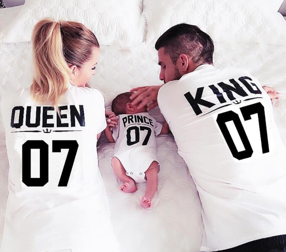 100% algodón camiseta a juego rey 07 reina 07 Príncipe princesa recién nacido letra Camisas, parejas ocio manga corta o cuello camiseta
