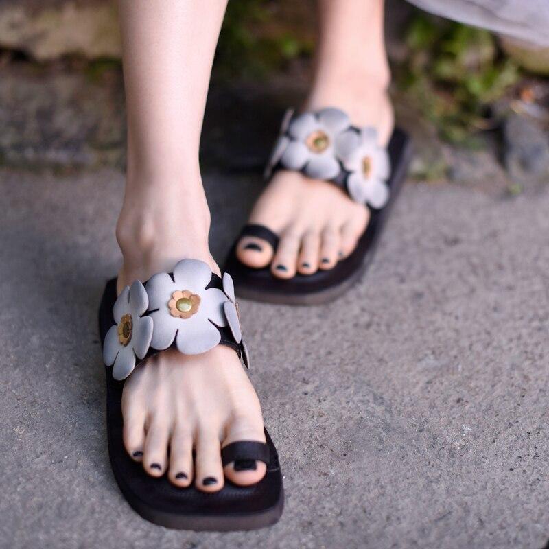 Artmu oryginalny Retro kobiet płaskie sandały z prawdziwej skóry klip Toe Handmade wygodne na zewnątrz kapcie plażowe A8 15 w Kapcie od Buty na  Grupa 1