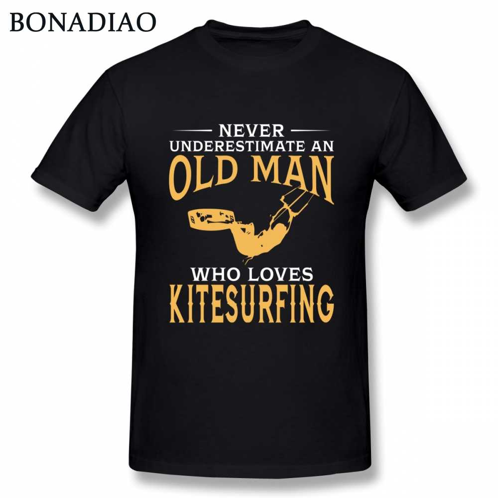 Slim fit Tee Never Underestimate An Old Man Who Loves Kitesurfing Tee Shirt Man O-neck Camiseta
