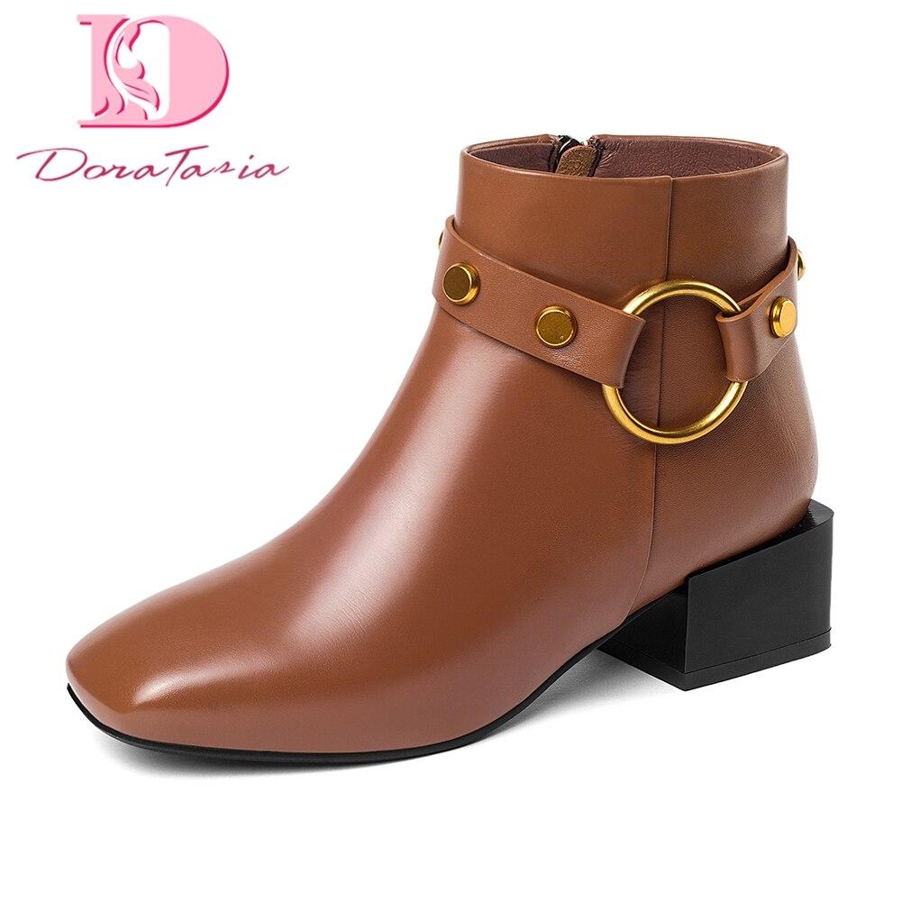 Ayakk.'ten Ayak Bileği Çizmeler'de DoraTasia Marka Yeni hakiki Inek Deri Kare Ayak Kış batı Çizmeler Ayakkabı Kadın Zip Up Eklemek Kürk yarım çizmeler Kadın Ayakkabı çizme'da  Grup 1