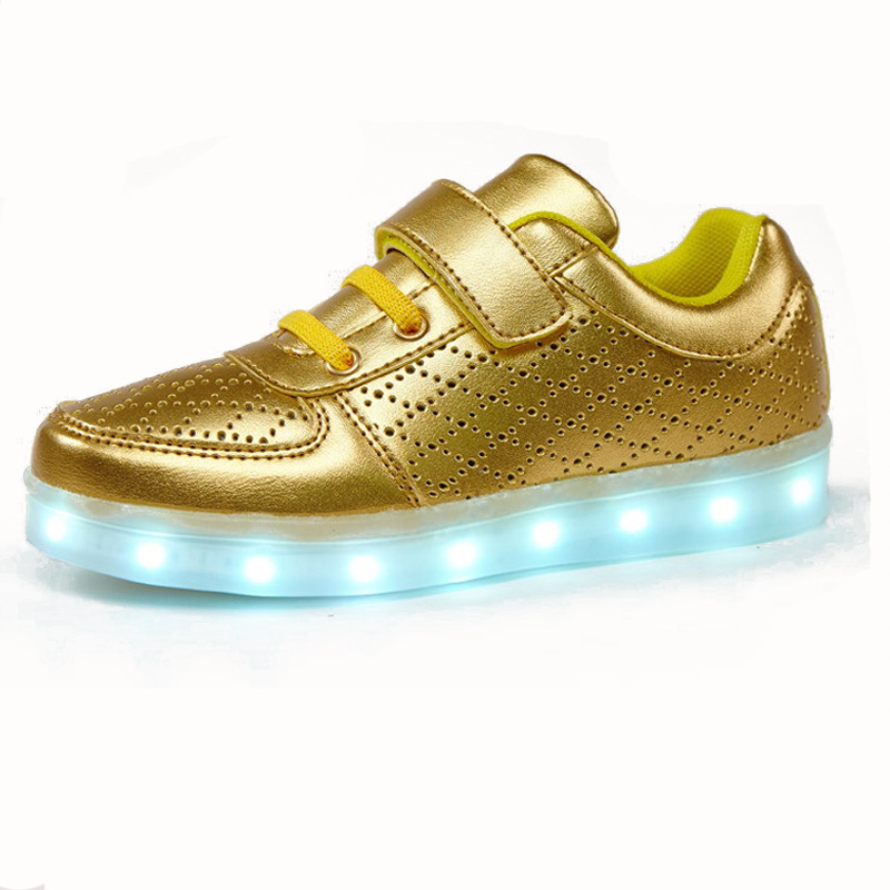 Kids Gold Light Up Shoes 2016 New Children Casual Yeezy Shoe Boys Girls  Breathable Led Glowing Sneakers Chaussure Led Enfant 30c1cead8