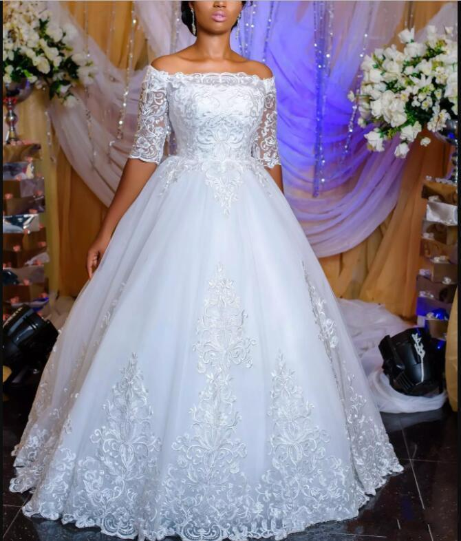 Hot Sale Off the Shoulder Half Sleeves Wedding Dresses 2019 Lace Applliques Bridal Gowns
