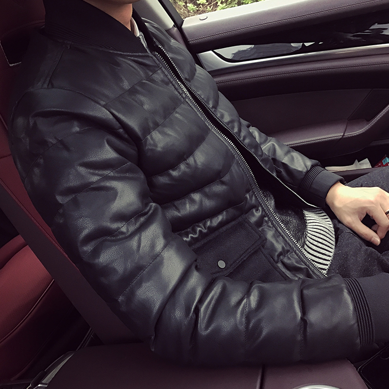 The new young man warm winter coat jacket pocket decoration thick jacket short slim padded.