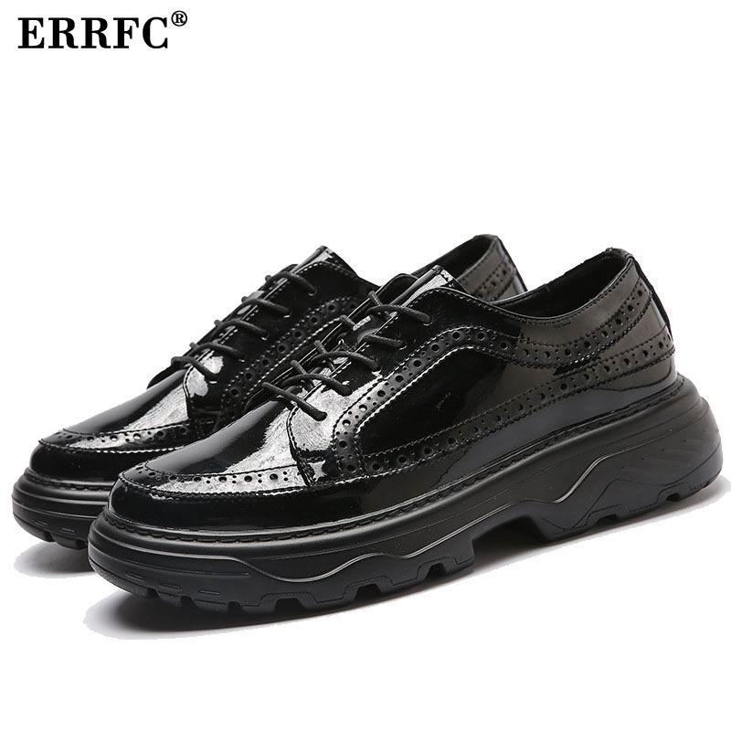 ERRFC mężczyzna luksusowy czarny Brogue buty moda New Arrival Lace Up platformy rozrywka buty mężczyzna mężczyzna biuro PU skórzane buty męskie 38 43 w Męskie nieformalne buty od Buty na  Grupa 1