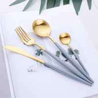 16pcs Luxury Korean Dinnerware Set Golden Cutlery Set 18/10 Stainless Steel Frost Knives Forks Set Tablespoons Wedding Tableware