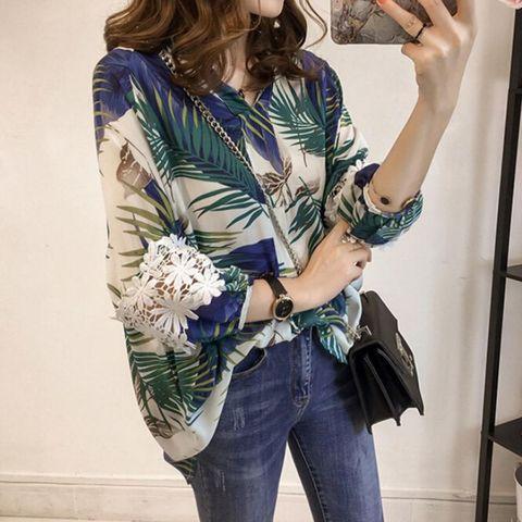 Women Vintage Floral V Neck Blouses Long Sleeve Loose Shirts Lace patchwork Casual Plus size Blusas Femininas European 4XL Karachi