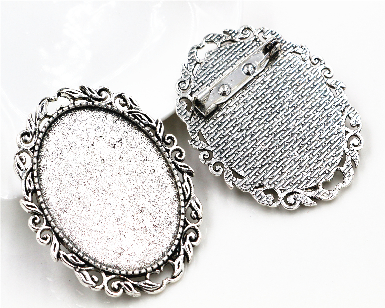 цены New Fashion 2pcs 30x40mm Inner Size Antique Silver Pin Brooch Flowers Style Base Setting Pendant (B4-16)