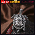 Vintage Silver Plated Full Rhinestone Crystal Tortoise Brooch White CZ Diamond Animal Brooch Pin Bouquets Collar Scarf Buckle