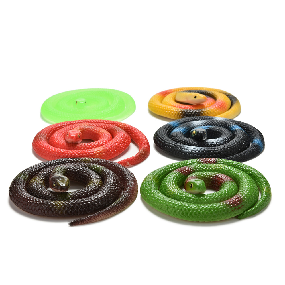 """New Halloween Animal Prop Fancy Party Fake Rubber Snakes 42/"""" Assorted Colours"""