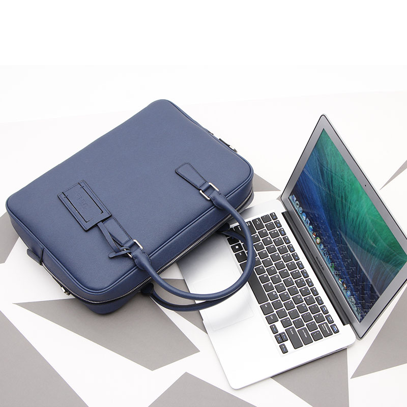 2019 New Men's Genuine Leather Handbag Casual Shoulder Bag Cowhide Crossbody Bag Business Briefcase Laptop Bag.