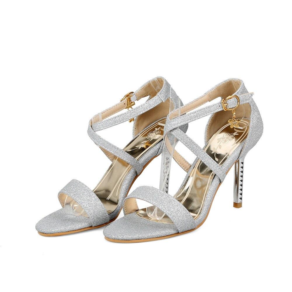 2018 Tamaño Mujeres Tacones Más Nuevos Boda Talón Sandalias Negro Prom  Zapatos Fino Mujer Elegante púrpura plata Smirnova oro Verano Altos Hebilla  ... 8306698824a9