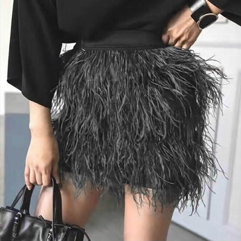 2017 Tendance des Femmes des Femmes De Mode La Conception Solide Couleur De Luxe Plumes Mini Jupe Droite Étiré Taille Mince Qualité Jupes