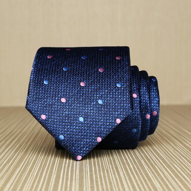 Alta Qualidade 2017 New Arrivals 7 cm Laços para Os Homens Da Marca casamento Moda Gravata Azul Xadrez Rosa Polka Dot Laços Comerciais Gravata