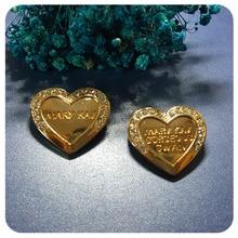 цена на Gold Tone Heart Style Mary Kay Theme Brooch Pins for Memberships