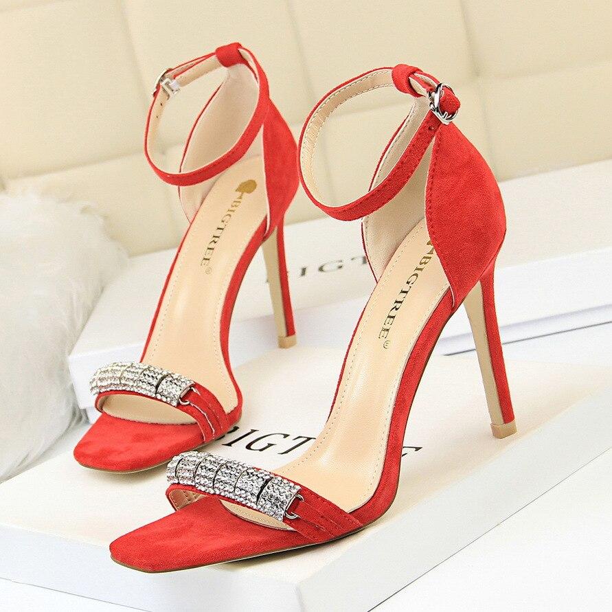 See Fines Avec Strass Ouvert Bande De Chaussures Chart noir Métal À En kaki Femmes Talon Banquet Femme Mot Haut Sandales Bout Sexy rouge Mode Daim wqRY4w